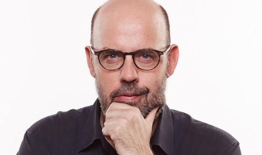 Jordi Basté explorará hacia donde se dirige el mundo en un nuevo programa de TV3 de la mano de Lavinia Audiovisual